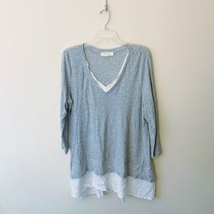 Two by Vince Camuto Gray V-neck Tunic